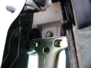 Diagnosing Amp Replacing A Window Regulator In A Pontiac